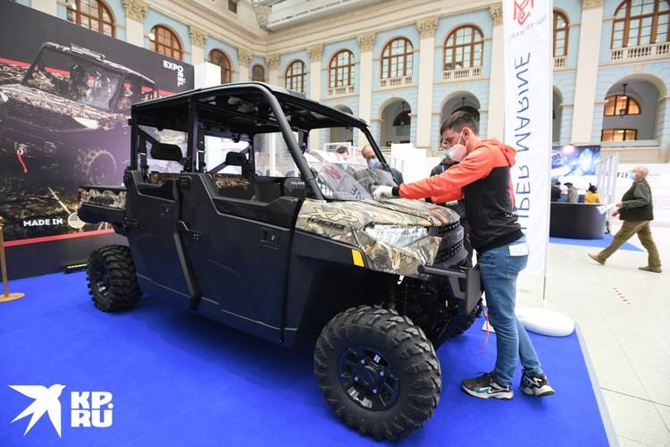 При этом организаторы международной выставки OrelExpo совместили реальные образцы с виртуальными.