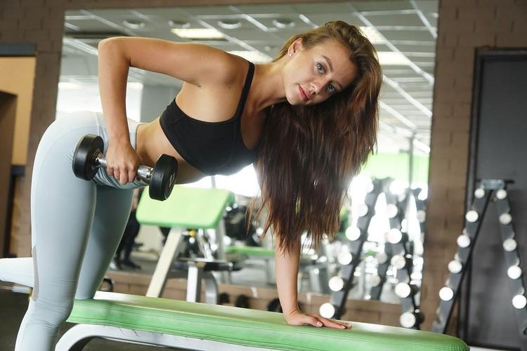 По ее словам, стимулирование интереса россиян к спорту важно не только в борьбе с коронавирусом, но и для поддержки фитнес-индустрии.