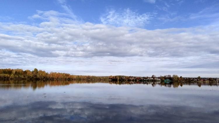 Пруд в поселке Баранчинский. Фото: Лев Истомин