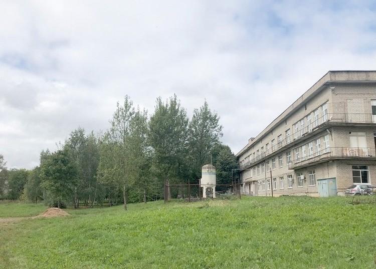 Новый корпус больницы будет построен за основным зданием. Фото: предоставлено собеседником издания.