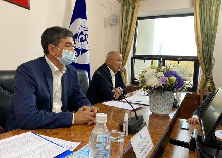 На должность мэра Азиз Суракматов предложил кандидатуру Тюлеева. Уверен, что экс-градоначальник справится со всеми задачами.