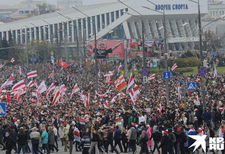 Марш оппозиции в Минске. Фото: Виктор ПЕТРОВ