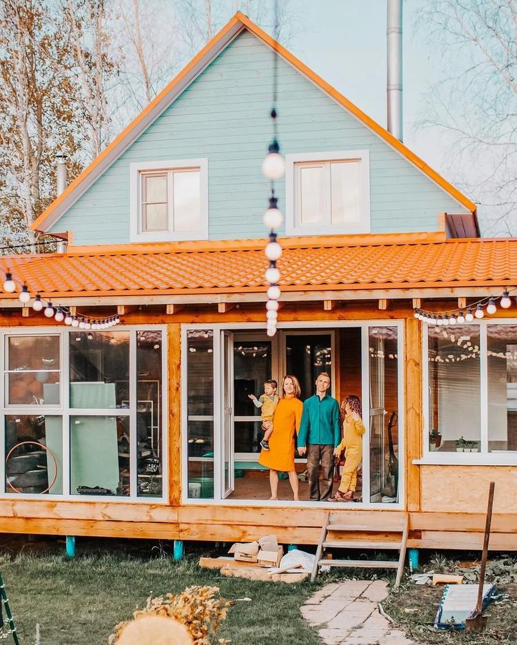 У каждого ребенка должен быть дом, считает писательница из Новосибирска и показывает на своем примере, что усыновление - это просто и не страшно. Фото: предоставлено Екатериной Кузнецовой/www.instagram.com/spottykit