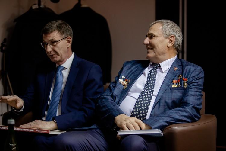 Сергей Антипов (слева) и Александр Блинов вспомнили, как вступали в комсомол.