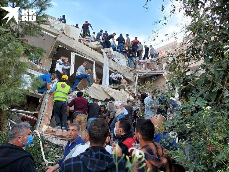 На данный момент известно о четырех погибших и как минимум 120 раненых