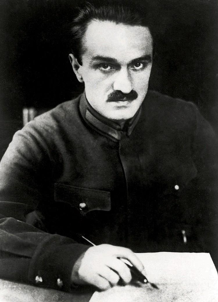 Одним из первых, кого будущий Отец Народов перетащил в Москву, стал 30-летний Анастас Микоян