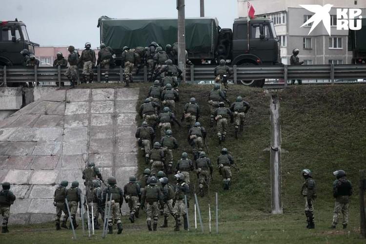 Стычки протестующих с силовиками были зафиксированы на улицах Калиновского и Мирошниченко. Фото: Иван Иванов