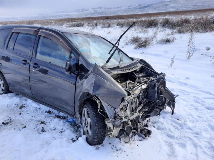 автомобили сильно повреждены Фото: МВД Тувы