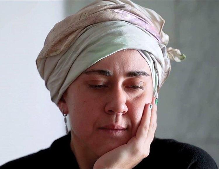 Татьяне рекомендовали лечиться в реабилитационном центре, а она сбежала из клиники. Фото — кадр программы «Пусть говорят»