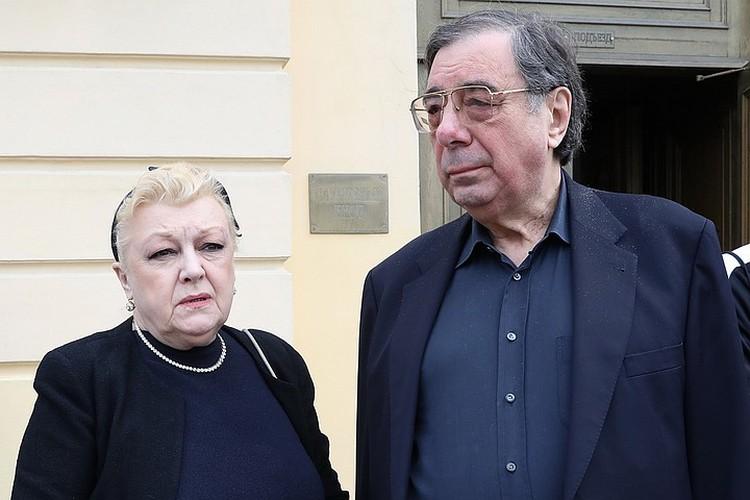 У Михаила Цивина и его жены Натальи Дрожжиной, которых обвиняют в мошенничестве, не так много защитников