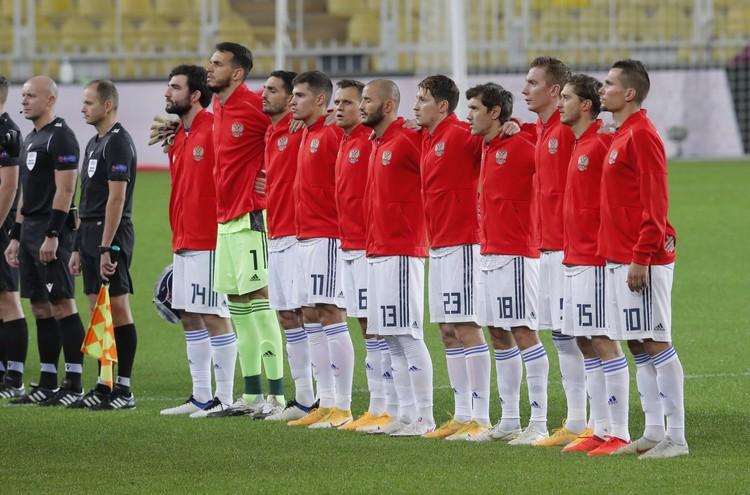 Наша команда перед игрой в Стамбуле.