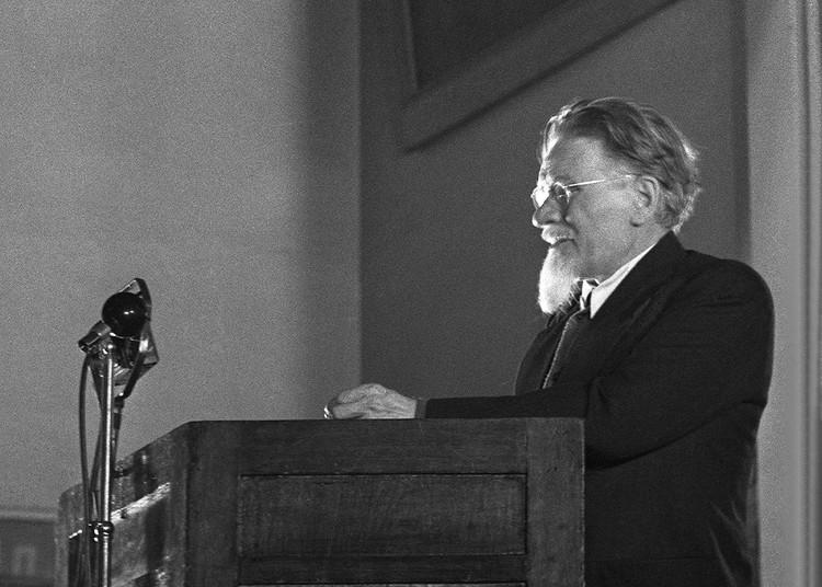 Михаил Калинин на трибуне, 1940 г. Фото: Федор Кислов/ТАСС