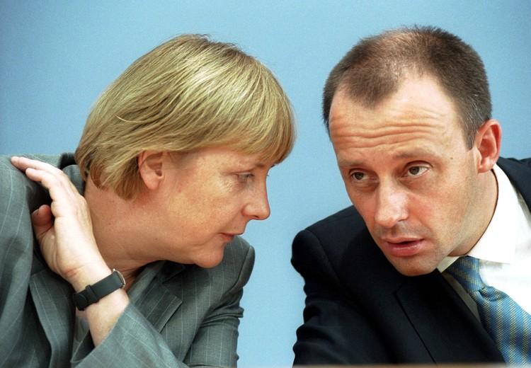 Мерц не стал сдавать свои позиции и начал открыто критиковать все начинания Меркель.