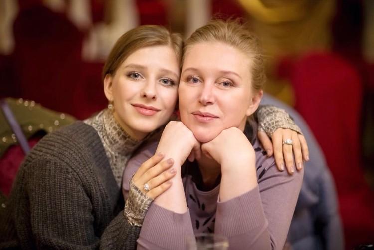 Лиза Арзамасова и ее мама Юлия