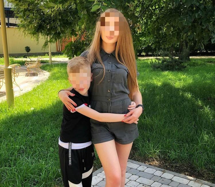 Викторию и ее брата похоронили в родной станице.