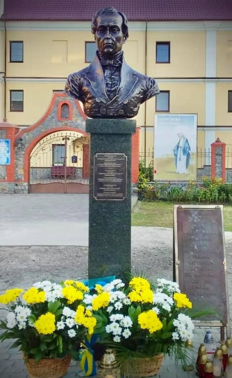 В городе Чуднове в этом году был установлен памятник Яну Барщевскому.