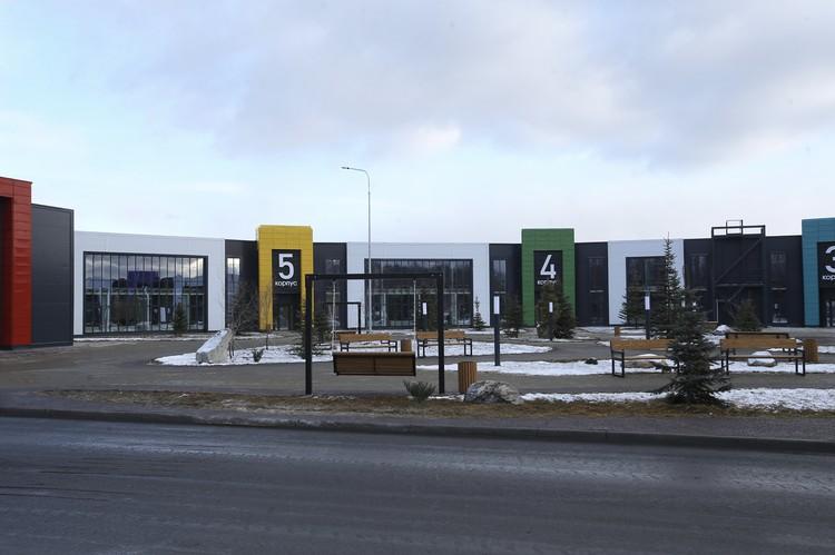 Новый инфекционный центр возвели вод Челябинском за 74 дня – символичное число для нашего региона. В современном здании можно развернуть 482 койки. Фото: gubernator74.ru