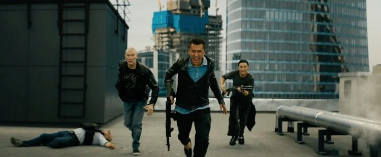 По сюжету детектива главный герой Игорь Соколовский (Павел Прилучный) сбегает из тюрьмы и снова уходит во все тяжкие,