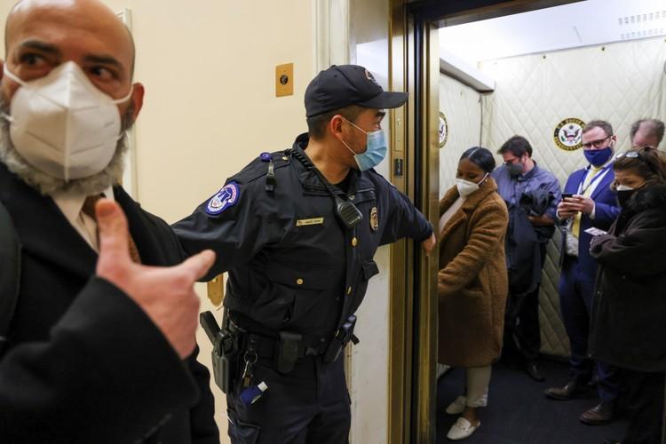 Журналистов пришлось эвакуировать