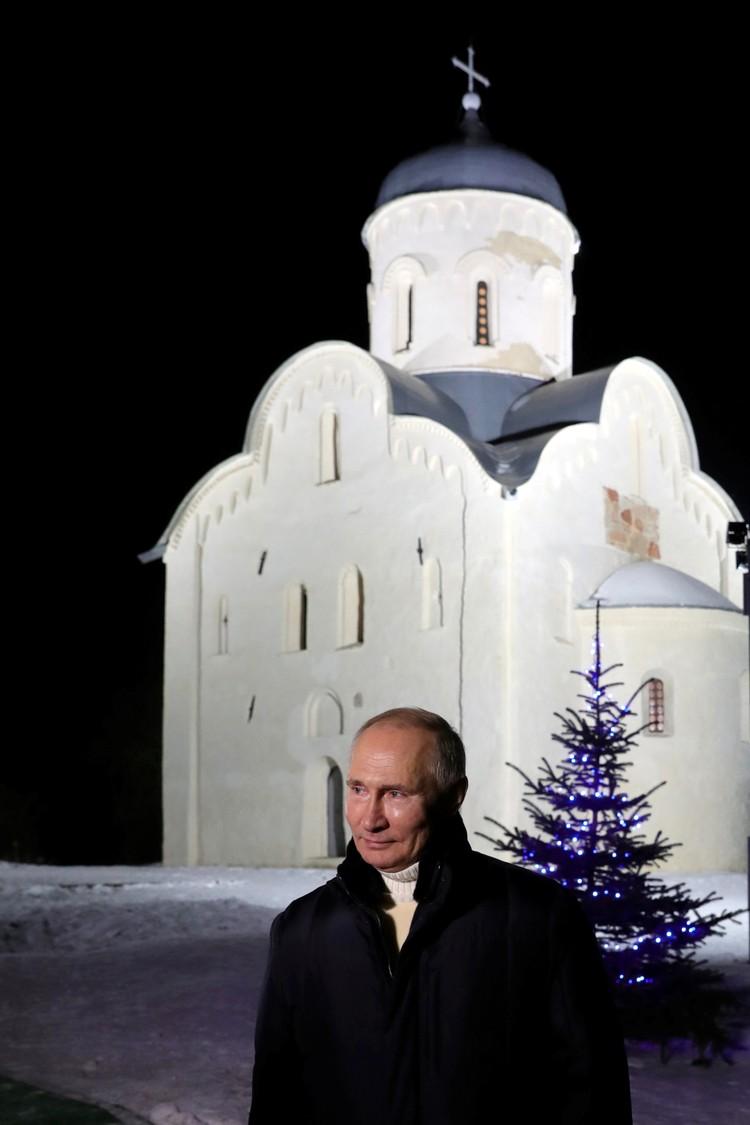 Президент России после праздничного богослужения на острове Липно