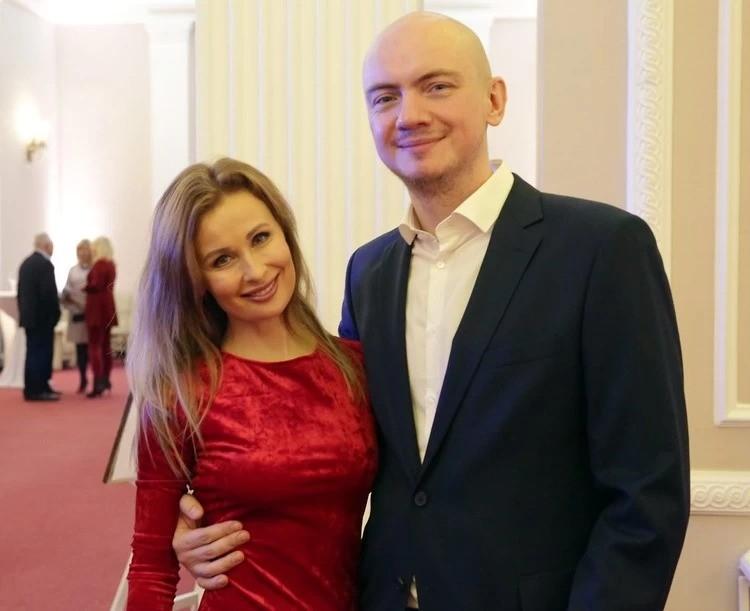 """Евгений Олейник и ее супруга Юлия Быкова написали порядка 300 песен для своей группы """"Аура"""" и других исполнителей. Фото: Личный архив"""