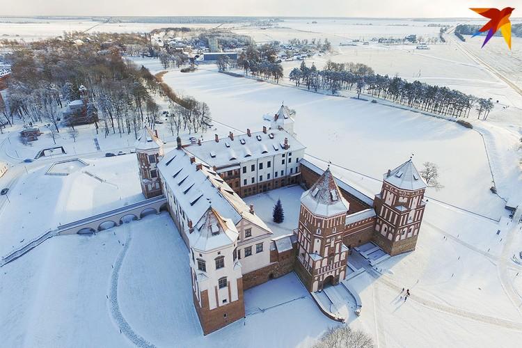 Мирский замок. Зима.