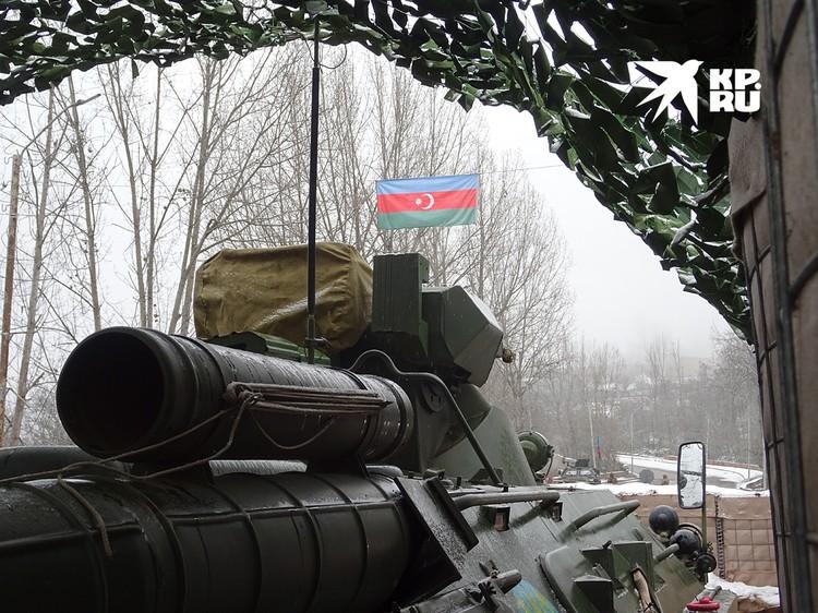 Азербайджанская территория всего в нескольких метрах от позиций российских миротворцев