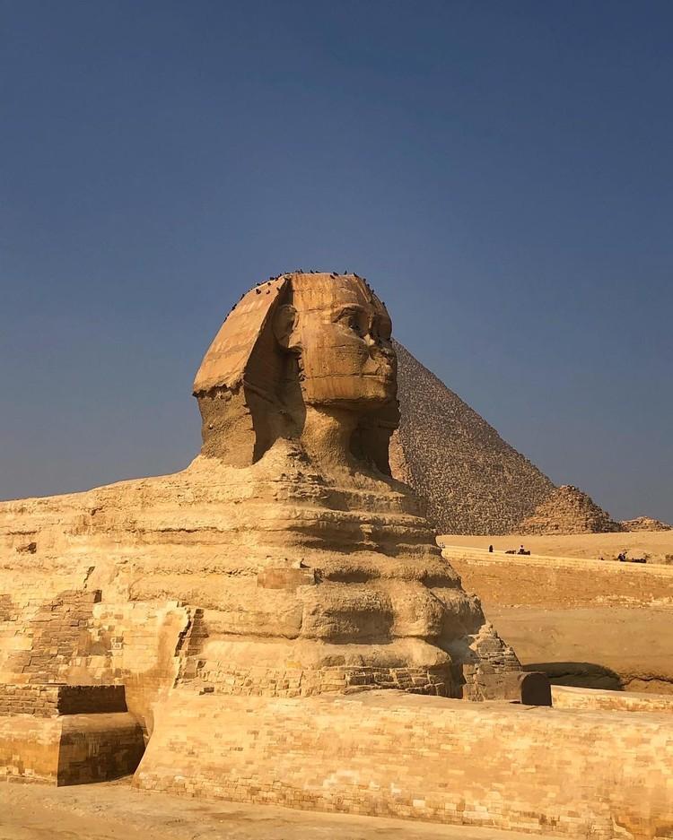 Самая известная достопримечательность Египта, помимо пирамид - Сфинкс