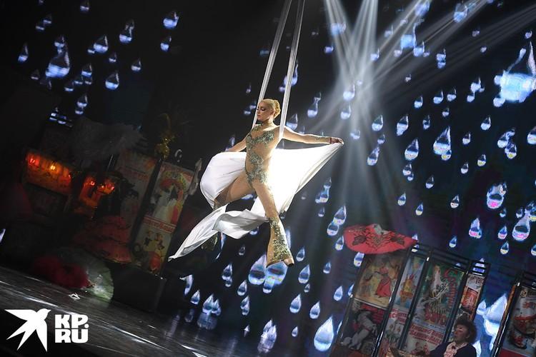 В день своего рождения Анастасия Волочкова отыграла спектакль «Балерина в зазеркалье цирка»