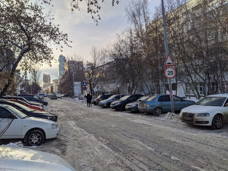 Для автомобилистов закрыли проезд на Тургенева
