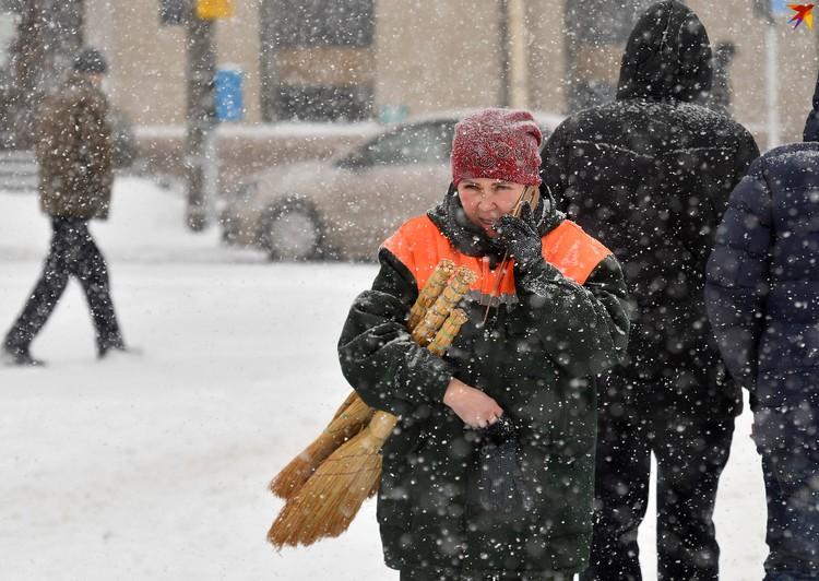 Справиться со снегом не так и просто!