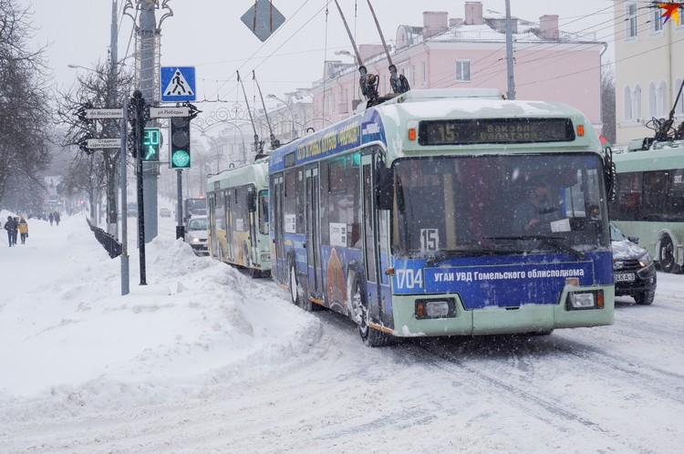 По Советской транспорт ехал очень медленно из-за плохой дороги