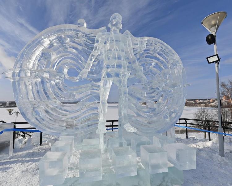 """Скульптура """"Магнитное поле"""" была представлена в феврале 2021 года на фестивале в Ижевске."""