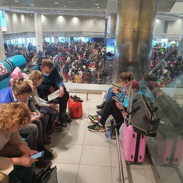 """Сильный снегопад 13 февраля буквально блокировал нормальную работу аэропорта """"Домодедово""""."""