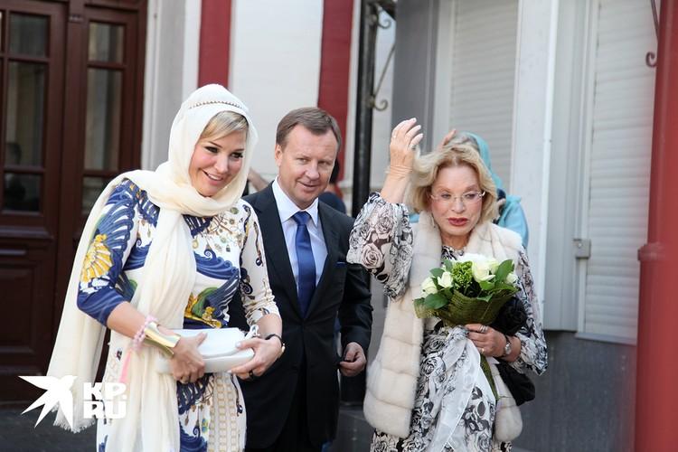 Мария, Денис Вороненков и мама Марии, актриса Людмила Максакова.