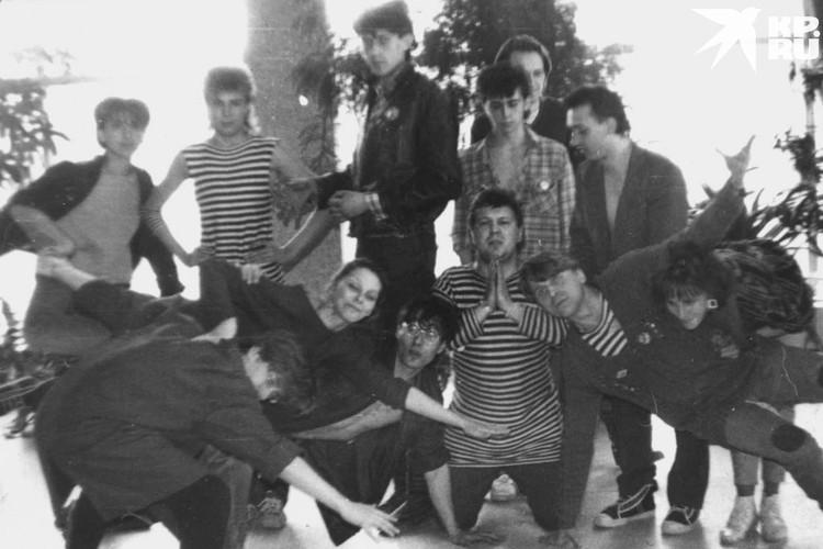 На концерте собирались все, кто считал себя панком, рокером или другим представителем андеграунда. Фото: личный архив Константина Голодяева