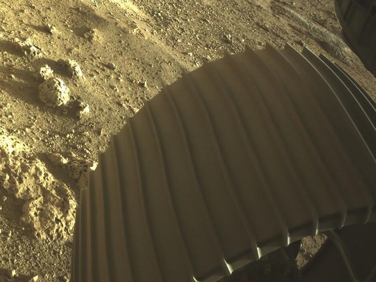 Perseverance совершил успешную посадку на Марс и уже начал работу