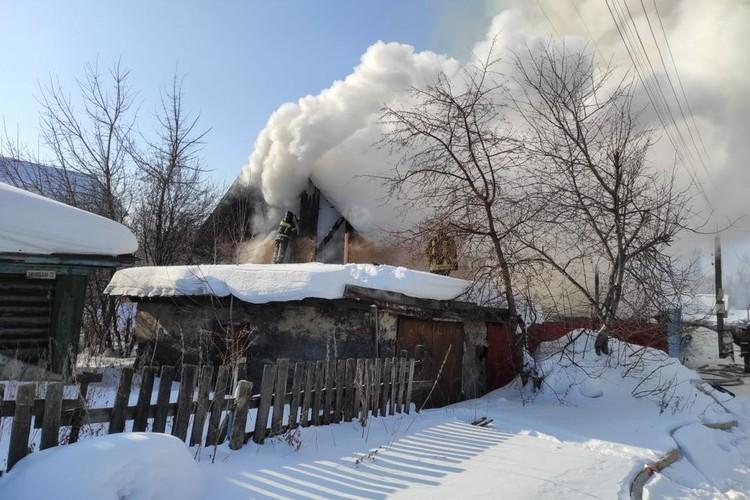 О пострадавших пока не сообщают. Фото: пресс-служба МЧС по Новосибирской области