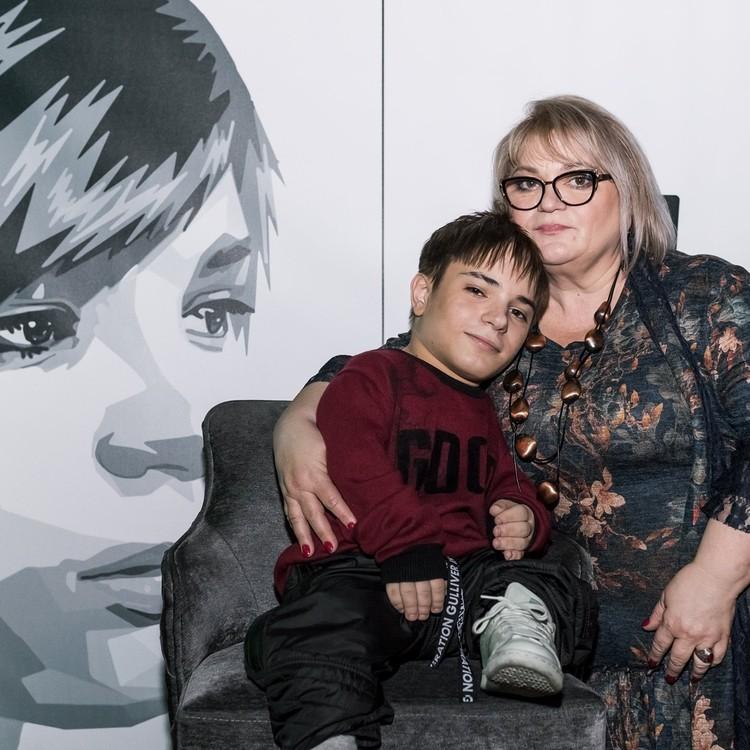 Мама Дани всегда с ним рядом. Фото: архив Дани Плужникова