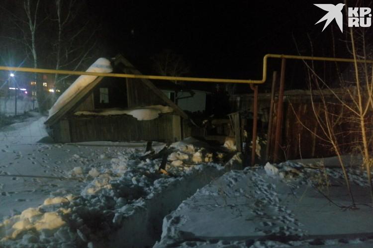 На территории этого дома было закопано тело.
