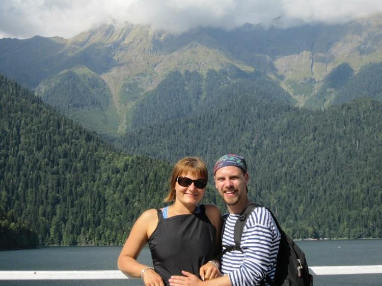 Муж Тамары сейчас в Абхазии с двумя детьми