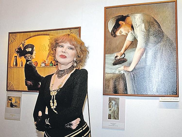 Гурченко на выставке Екатерины Рождественской: актриса участвовала в ее фотопроекте (на фото «картина Пикассо» с Гурченко справа).