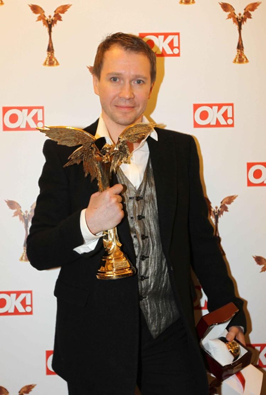 Евгения Миронова наградили статуэткой за лучшую мужскую роль второго плана («Утомленные солнцем - 2»)