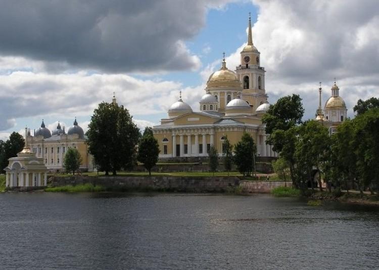 Нило-Столобенский монастырь одно из первых мест, которое стремятся посетить туристы