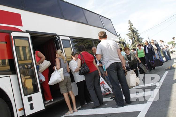От «Северного» автобусы ходят по всей области, в Казахстан и ХМАО.
