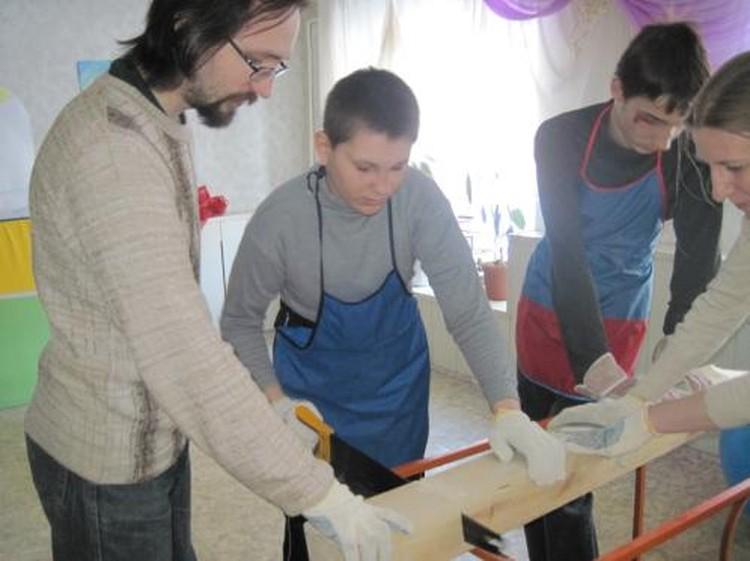 В «Своем пути» ребята осваивают то, чему их якобы «не имеют права» обучать в рязанских коррекционных учреждениях.