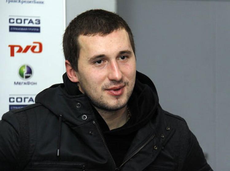 Прощание с Александром Галимовым будет проходить по мусульманским традициям. Похоронят погибшего в авиакатастрофе хоккеиста также на мусульманском секторе Чурилковского кладбища.
