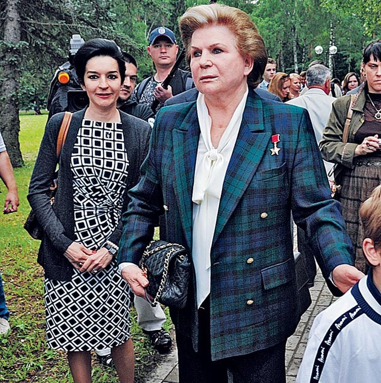 Валентина Терешкова с дочерью Аленой. Звездный городок. Июнь 2013-го...