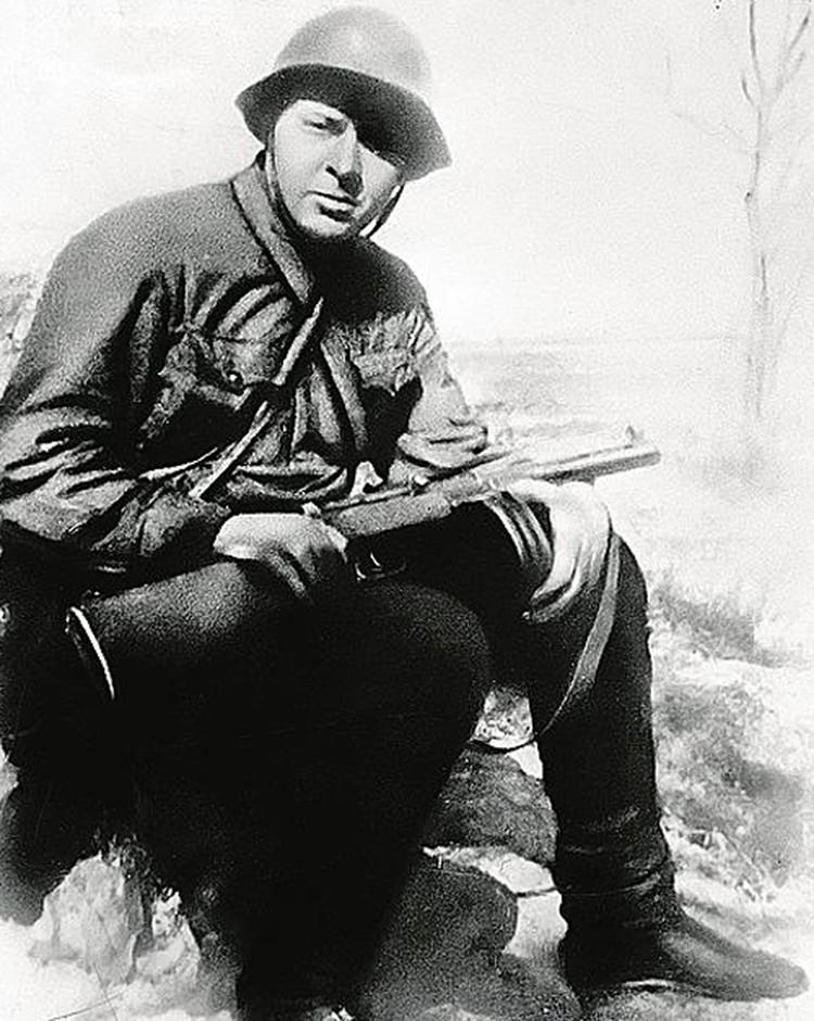 Комсомольцы воевали на фронтах Великой Отечественной, как и военкор «Комсомолки» Аркадий Гайдар. 16 сентября 1941 года.