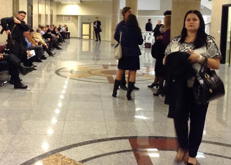 Супруга Владимира Запорожца расплакалась, узнав, сколько лет тюрьмы просит прокуратура для ее мужа